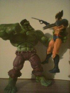 "3.75""-scale Hulk vs. Wolverine"