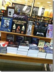 halloweendisplayofbooks