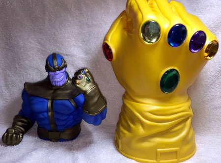 thanos_and_infinity_gauntlet_banks
