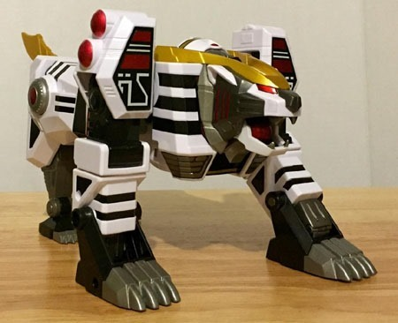 white_tigerzord_tigermode_front