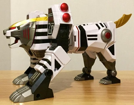 white_tigerzord_tigermode_side1