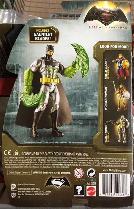 superman_v_batman_toys_gauntlet_assault_batman_back