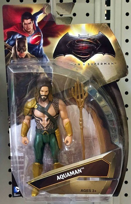 batman_v_superman_toys_aquaman_front