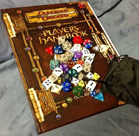 gaming_01_dnd_and_dice
