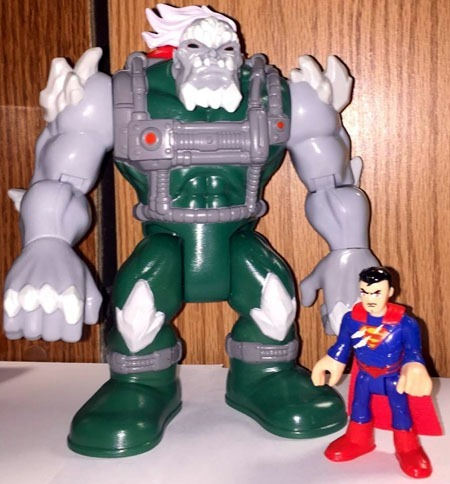 imaginext_doomsday_superman