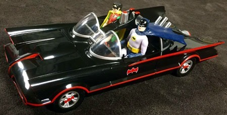 batman66_batmobile_batman_robin_left