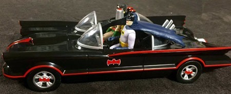 batman66_batmobile_batman_robin_side