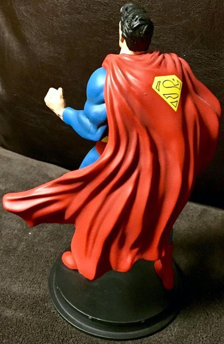 superman_icons_statue_02