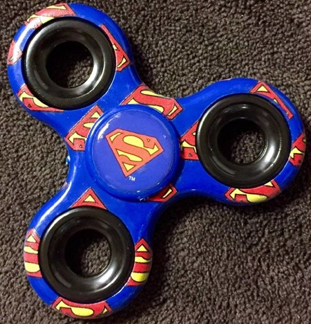 superman_fidget_spinner_out_of_package