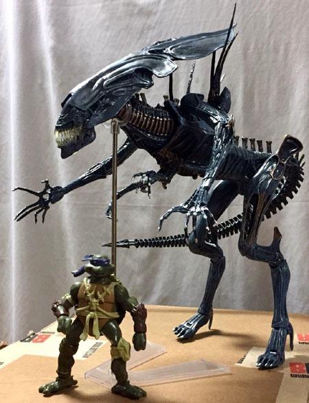 neca_aliens_alienqueen_standing_tall