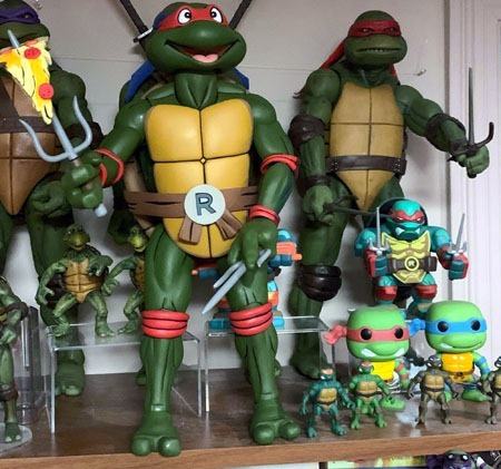 neca_tmnt_giant_size_raphael_raphs_together